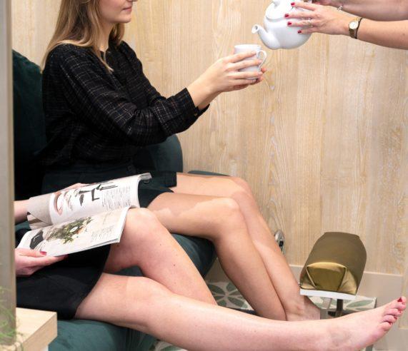 femme tasse de thé moment détente
